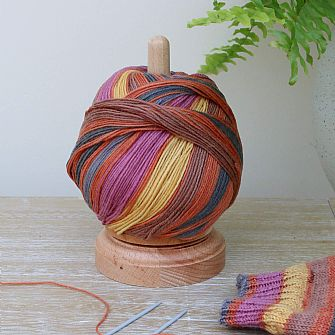 Spinning Yarn & Thread Holder - Wooden spinner
